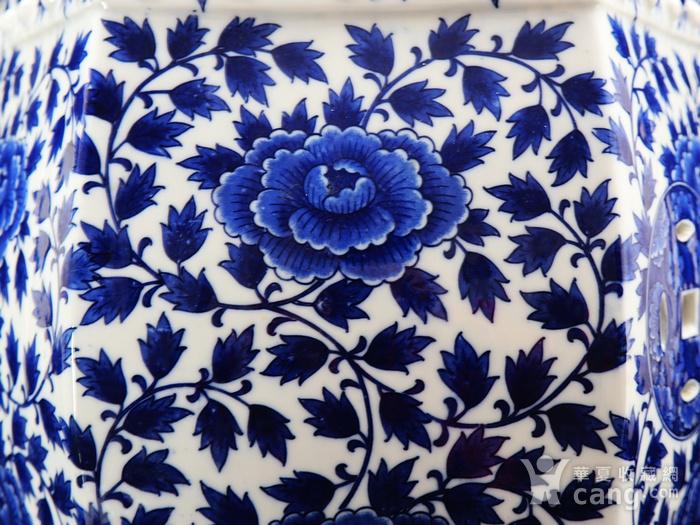 民国青花花卉统身绘画六方绣墩图4