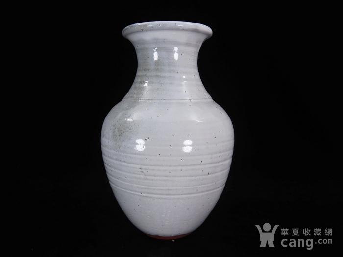 维多利亚时期白釉赏瓶图1