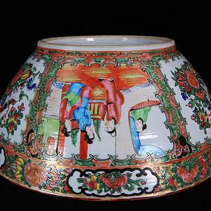 清代 号广彩人物花鸟开窗绘画 海碗