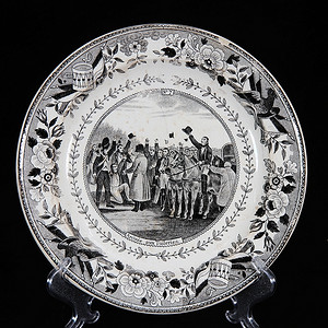 维多利亚时期墨彩人物开窗盘