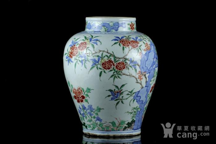 40清早期青花加彩洞石花卉纹罐
