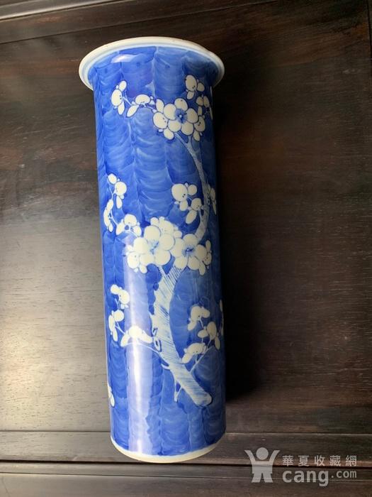 康熙款 晚清蓝地白花纹筒瓶图4
