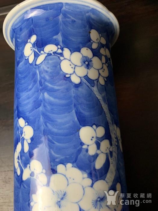 康熙款 晚清蓝地白花纹筒瓶图5