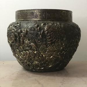 9025 欧洲回流 十九世纪铜鎏金高浮雕菊纹罐